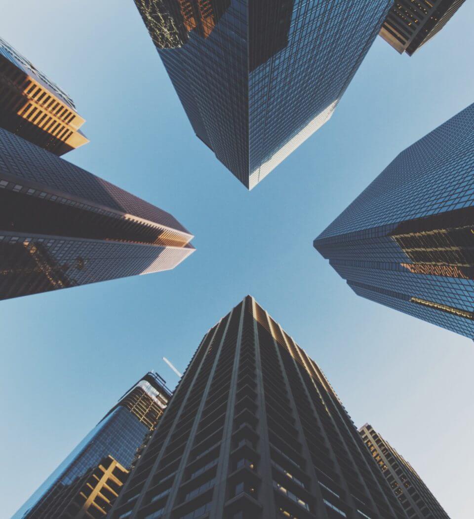 Een middelgrote onderneming vindt bij de grote corporates dus geen ondernemende CEO of algemeen directeur?